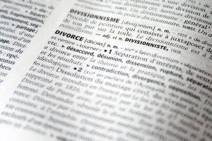 Die Scheidungskosten für eine Scheidung (englisch divorce) können unterschiedlich hoch ausfallen.