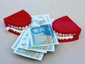 Wie man die Kosten für die Scheidung gering halten kann.